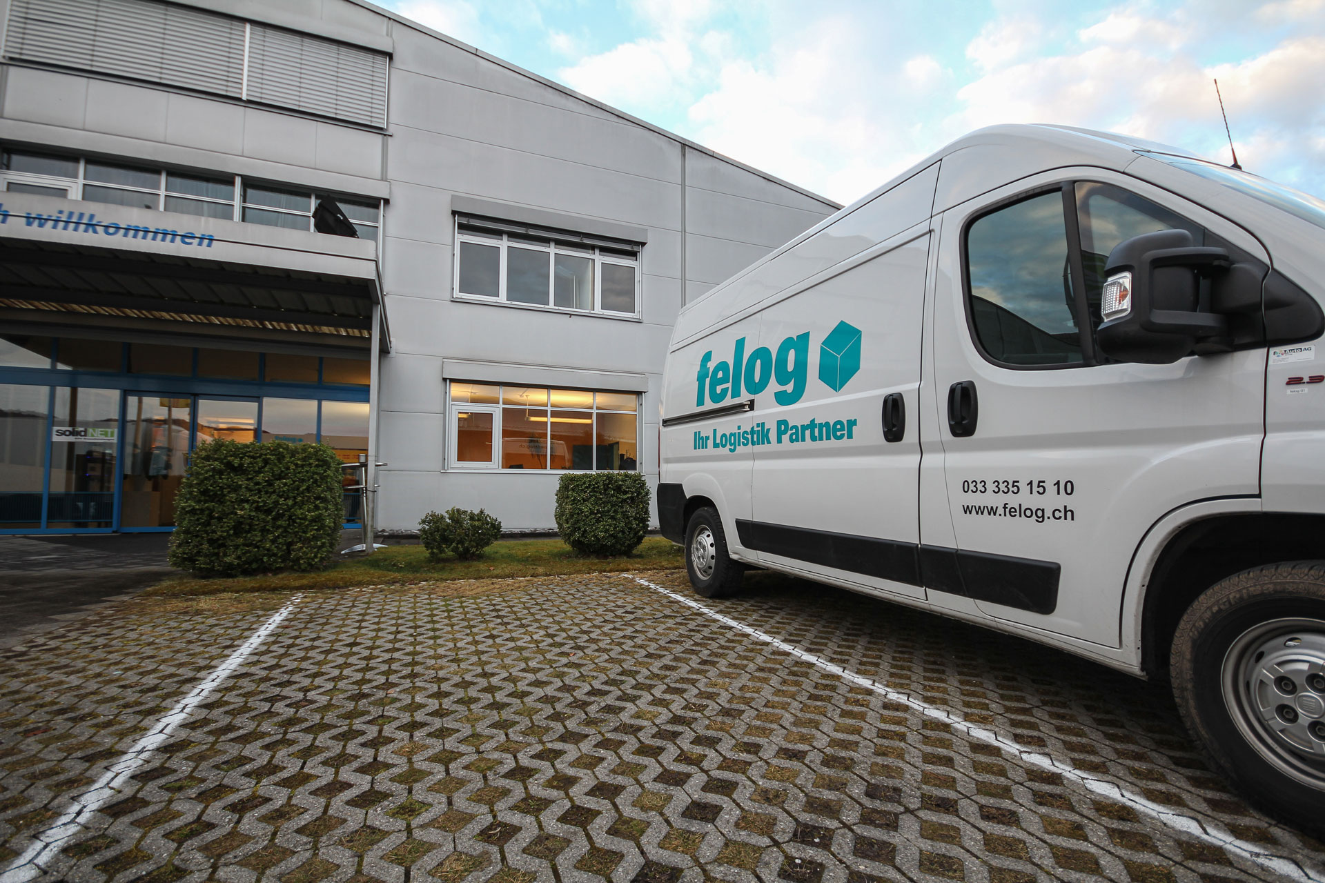 Slider felog | Logistik Partner